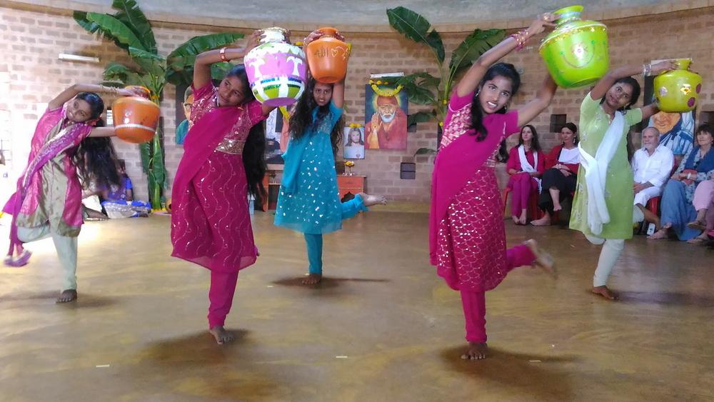 pot_dance